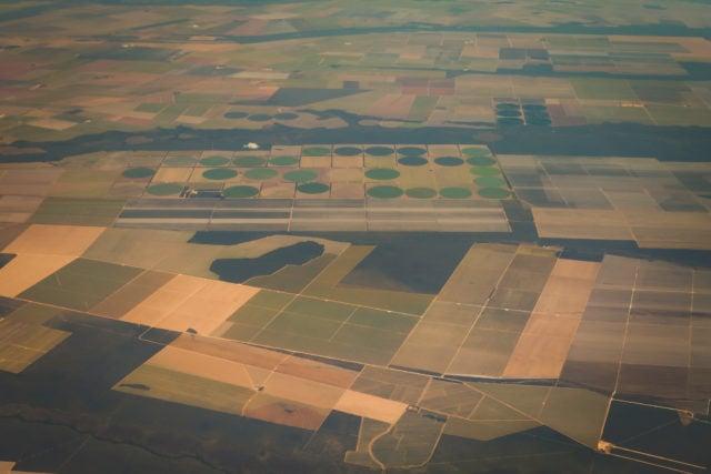 vista áera de cultivos, terras, crédito fundiário, regularização fundiária